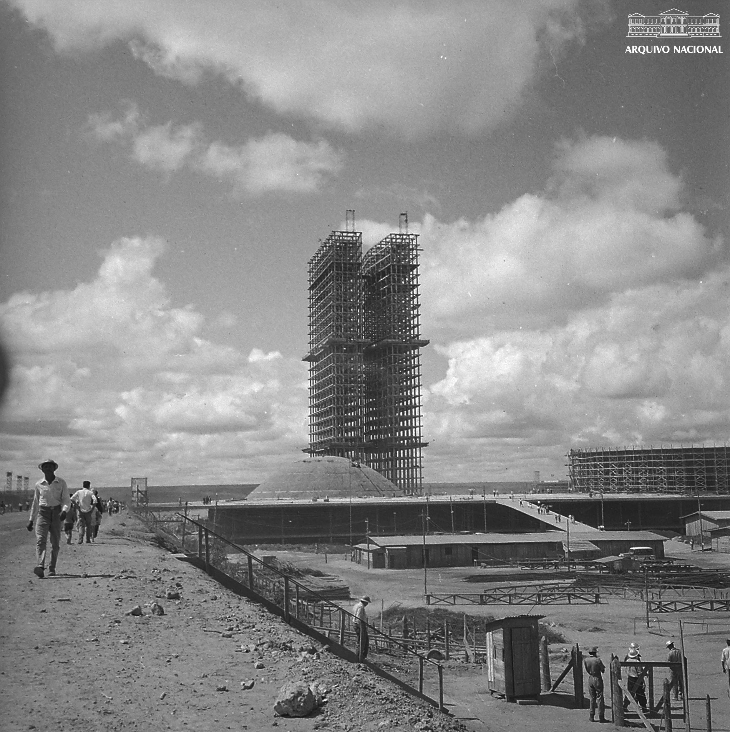 443d9244b Congresso Nacional em construção, Brasília, maio de 1959. Arquivo Nacional.  Fundo Agência