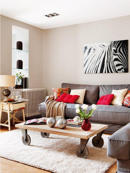Best Gray Sofa With Bright Pillows Love The Cofee Table On 400 x 300