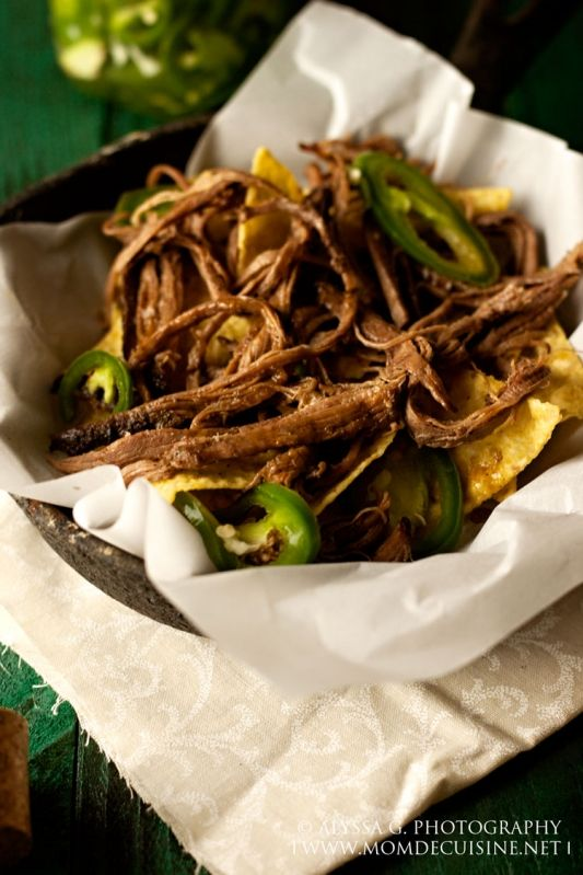 Spicy Barbacoa Nachos with Quick Pickled Jalapeños | Mom de Cuisine