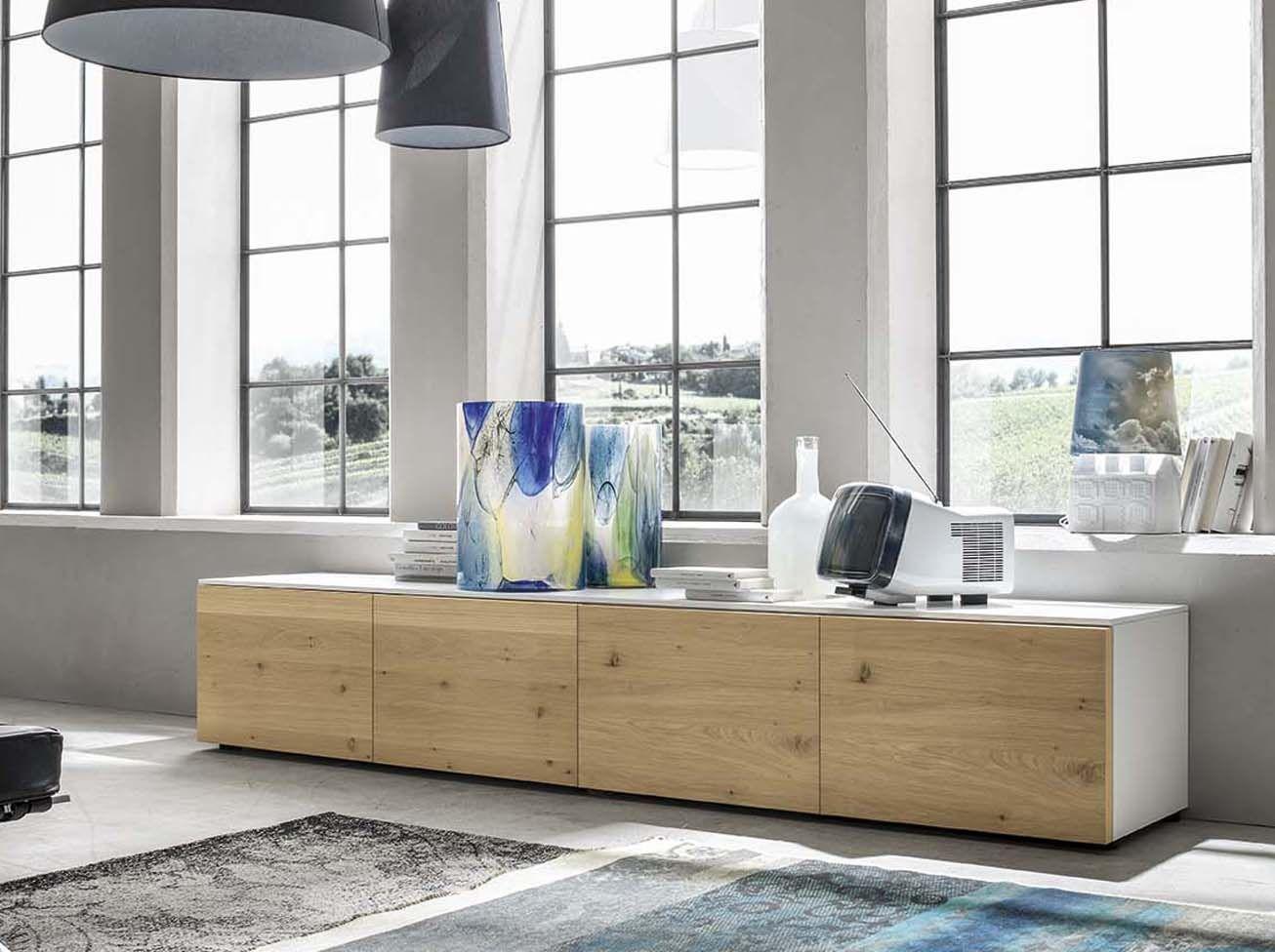 Per valorizzare lo spazio living: madia di mobilificio Santa Lucia ...