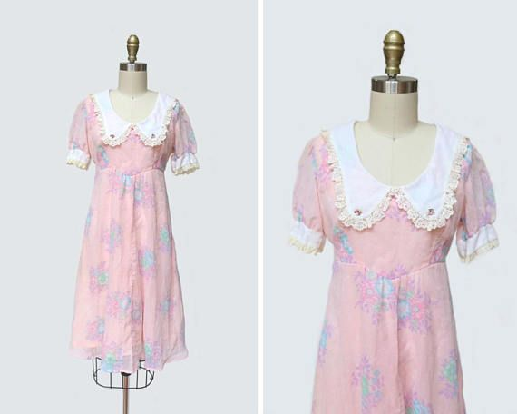 Pink 60s embroidered mini dress Baby doll pink 60s fit and flair mini dress Sleeveless sundress with stitched detailing size L