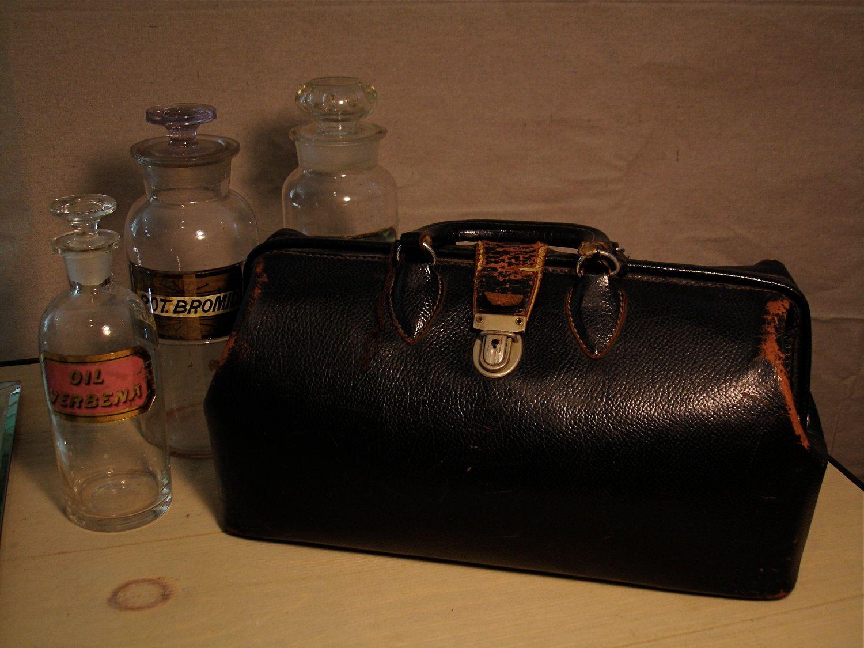 Vintage 1920s Homa Kruse Black Cowhide Leather Doctor S Bag