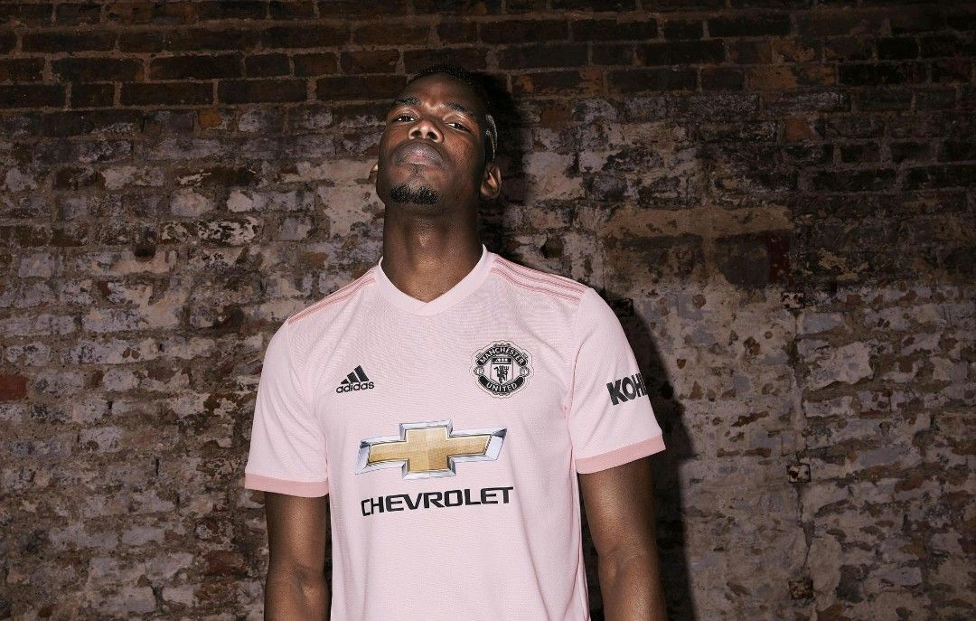 best website a18f8 221ab Pogba #pink #ManUtd ⚡ | ♛MAN UNITED♛ | Manchester united ...
