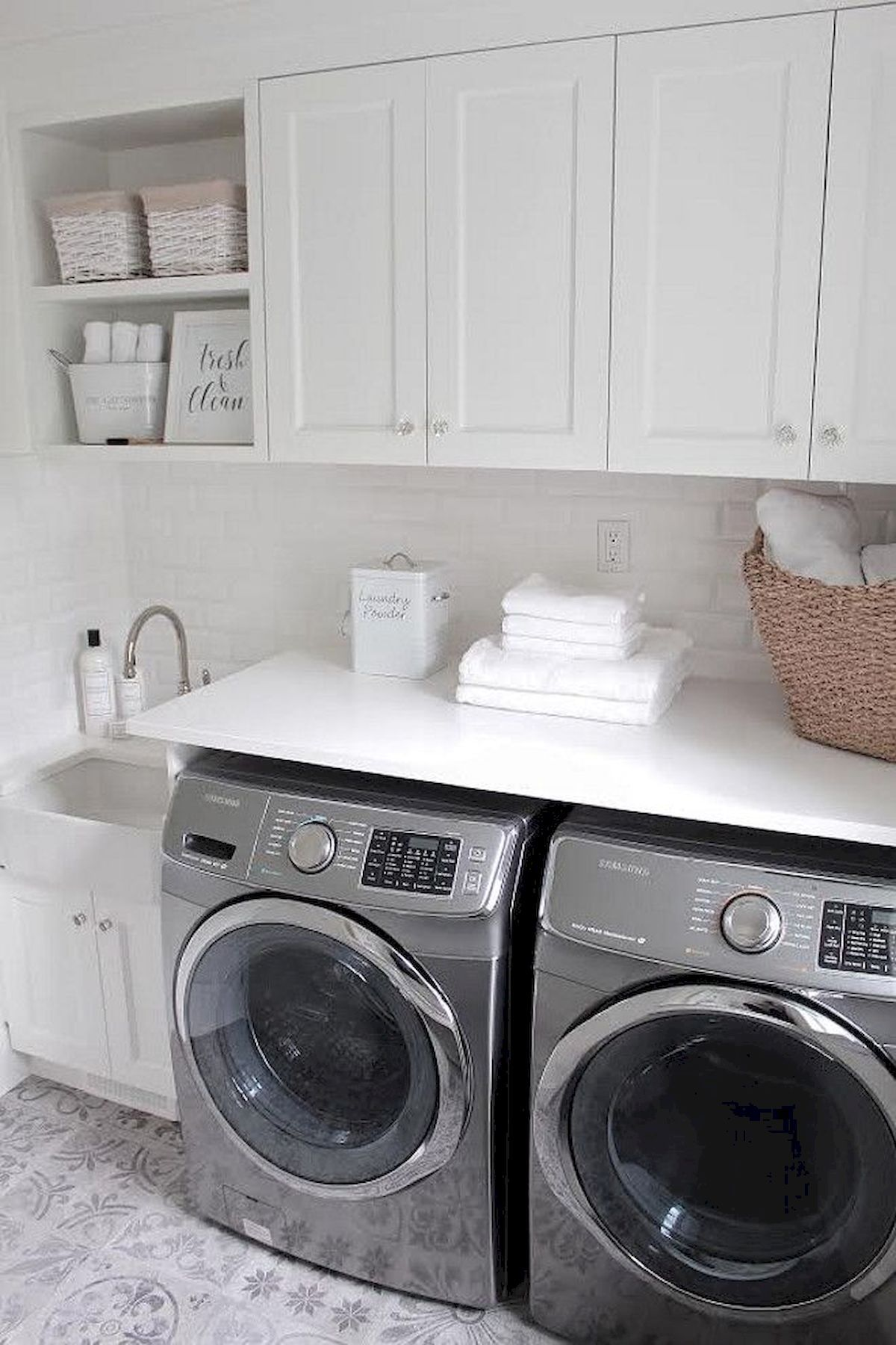 Amazing 55 Best Small Laundry Room Photo Storage Ideas The General Concept For A Laun Https White Laundry Rooms Small Laundry Rooms Laundry Room Decor