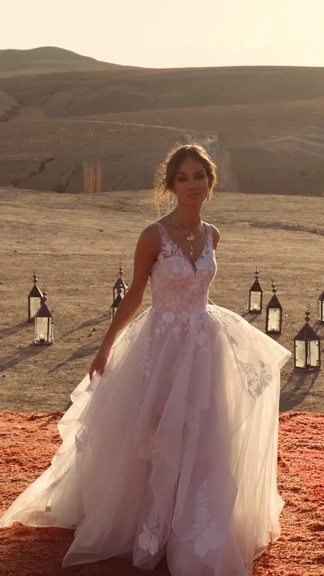 El vestido AUBREY de Madi Lane Bridal  – Boda