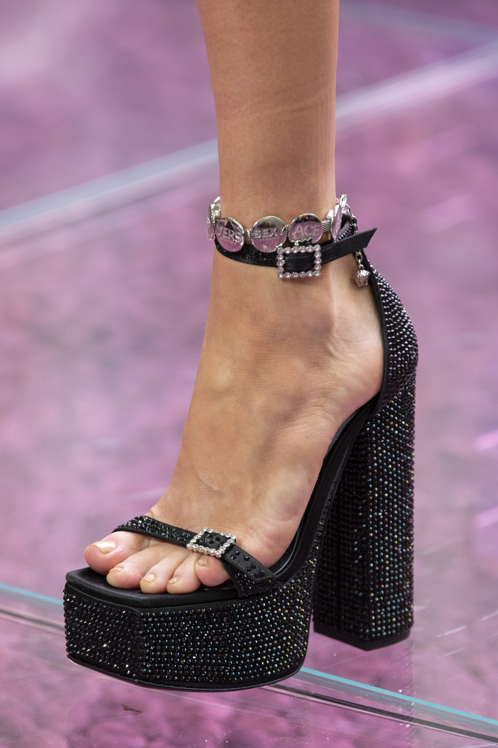 Photo of Versace Spring 2020 Men's Fashion Show Details | The Impression – Shoes with great design
