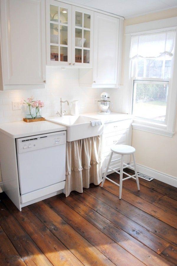 Shabby Chic Kueche Weisse Moebel Dunkler Bodenbelag | Küche Möbel