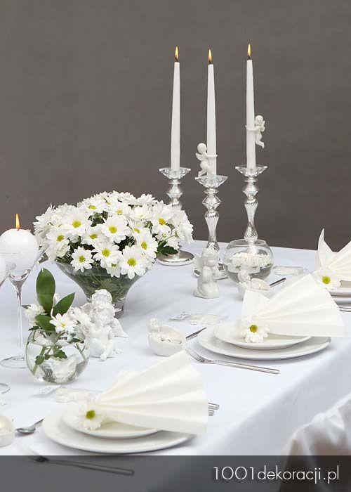 Dekoracje Sal I Stolow Restauracji Jak Udekorowac Stol Na I Komunie Table Decorations Decor Candles