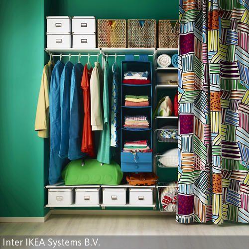 offener kleiderschrank mit farbvielfalt ikea pinterest offener kleiderschrank kisten und. Black Bedroom Furniture Sets. Home Design Ideas