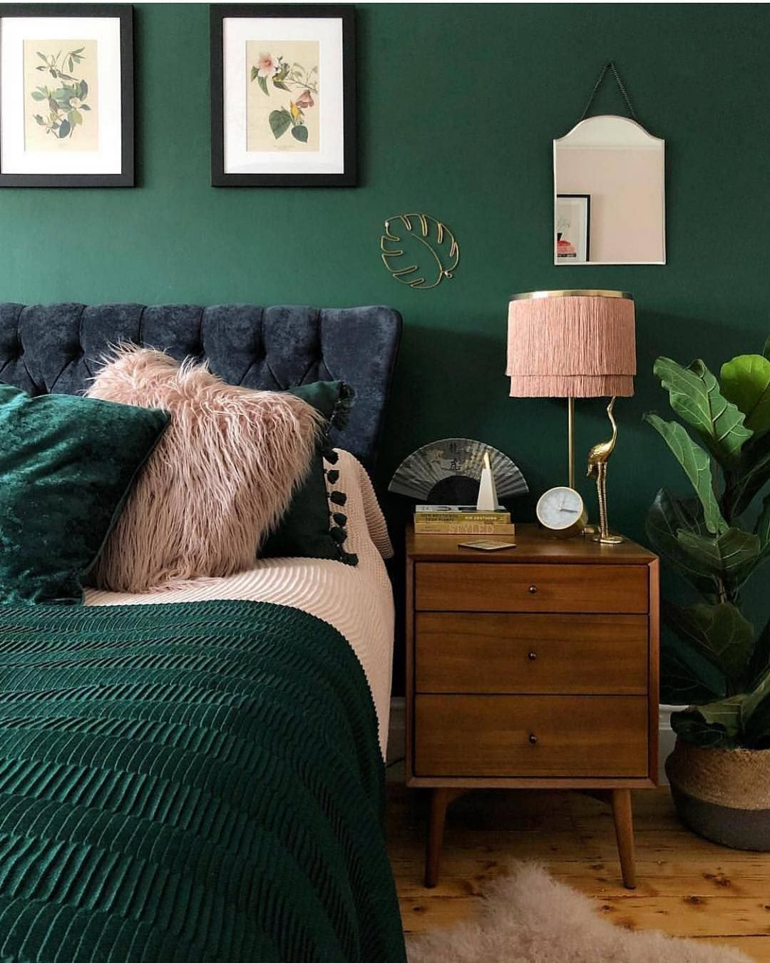 """Taking the nature to the """"BEDROOM"""". Pinks & Greens 💕 Styling Tip: A pot of plant in the bedroom brining the nature in side. Trendy Indoor plants could be Cactus, Spider, Kentia Plant and Aloe 🎍🌱🌷 #interiordesign #homedecor #bedroomideas #interiorstyling #houseplants #luxuryinteriors #interiorideas #decor"""