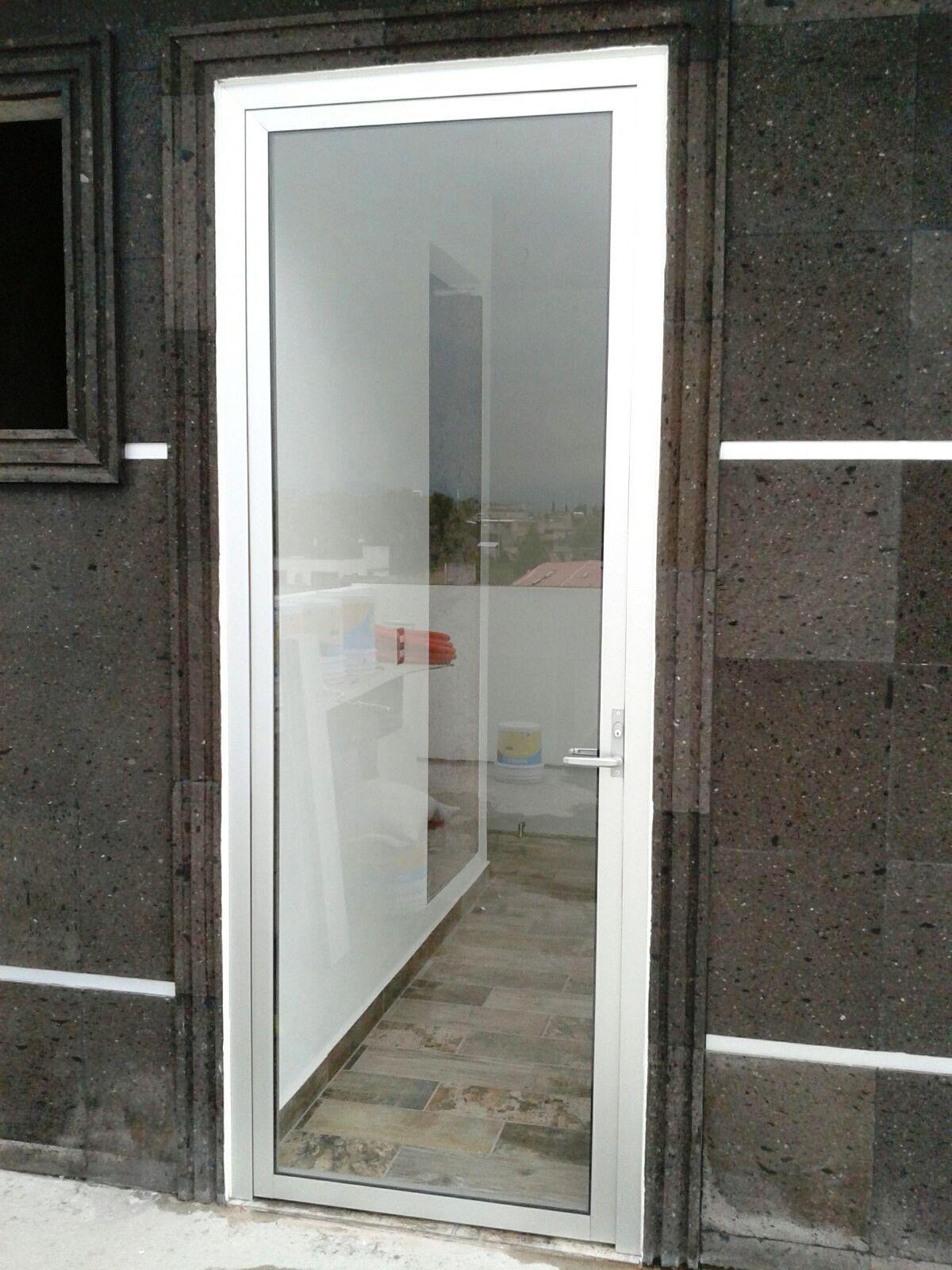 Puerta Linea Española 1400 Canceleria De Aluminio Puertas De Aluminio Puertas