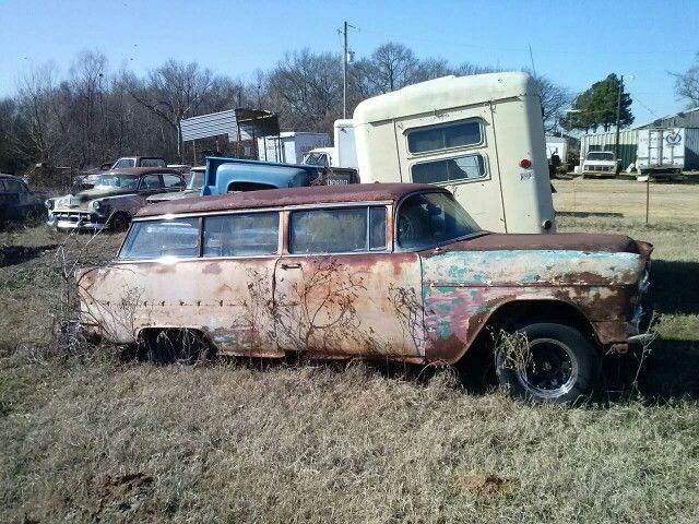 2 Door 55 Chevy Wagon Found In Nashville Arkansas Tripper S Travels Chevrolet Abandoned Cars Automobile