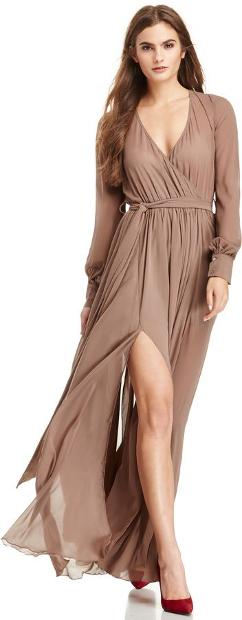 DAILYLOOK Witherspoon Chiffon Maxi Dress in taupe XS - M