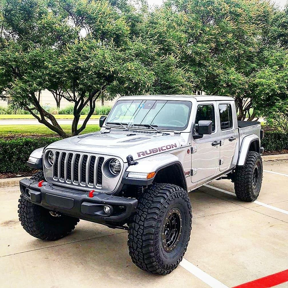 Save By Hermie With Images Jeep Gladiator Badass Jeep Jeep Garage