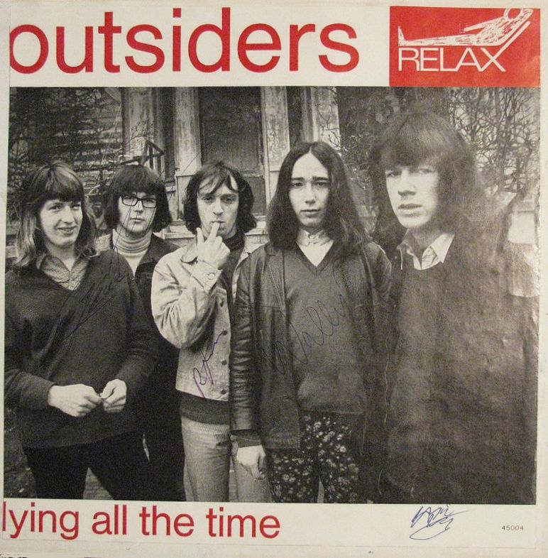 The Outsiders_001AAV2 (+ autographs)