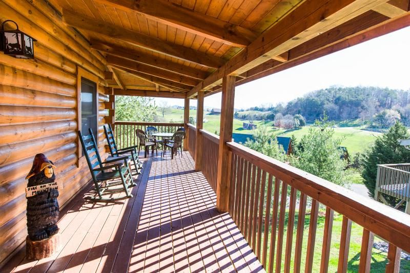 Rent This 2 Bedroom Cabin In Pigeon Forge For 99 Night Has