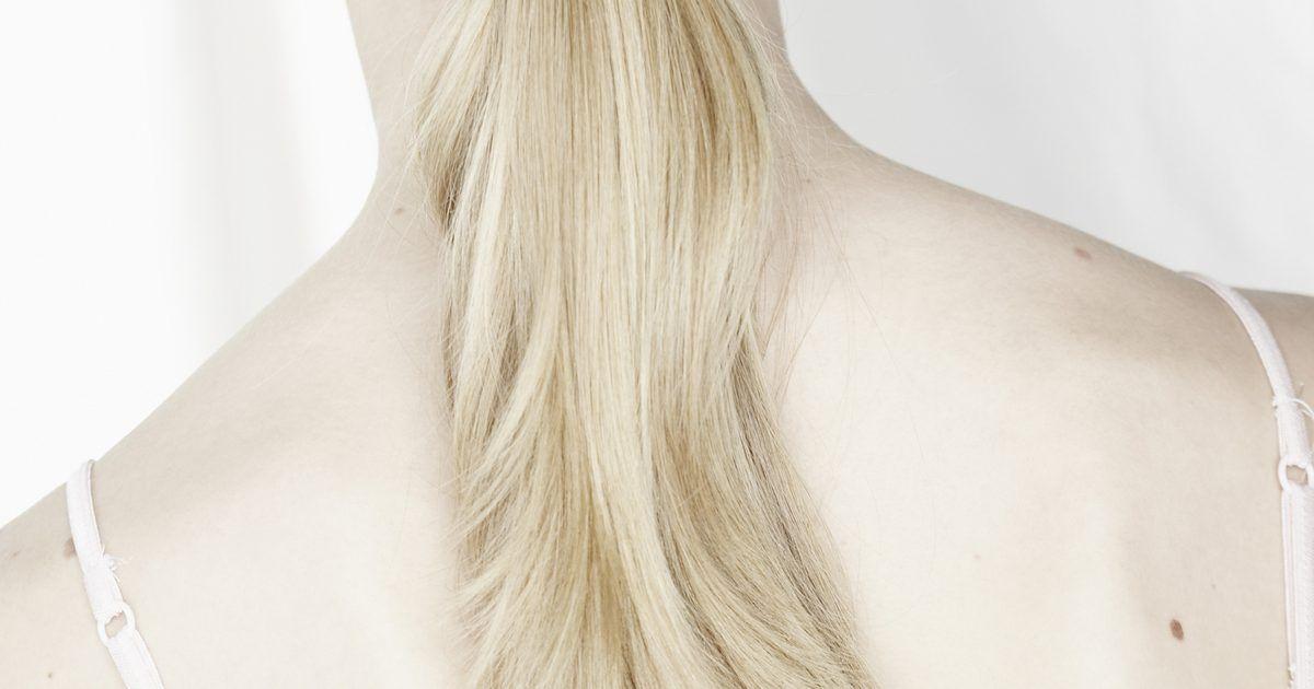 Cómo donar el pelo para pelucas para pacientes con cáncer. Los pacientes con cáncer tienen mucho a lo que enfrentarse tanto emocional como físicamente. ¿Quieres hacer algo para ayudar? Dona tu cabello para que se pueda hacer una peluca. Si de todas formas te vas a cortar el pelo, ¡es una gran manera de cambiar la vida de alguien en el proceso!