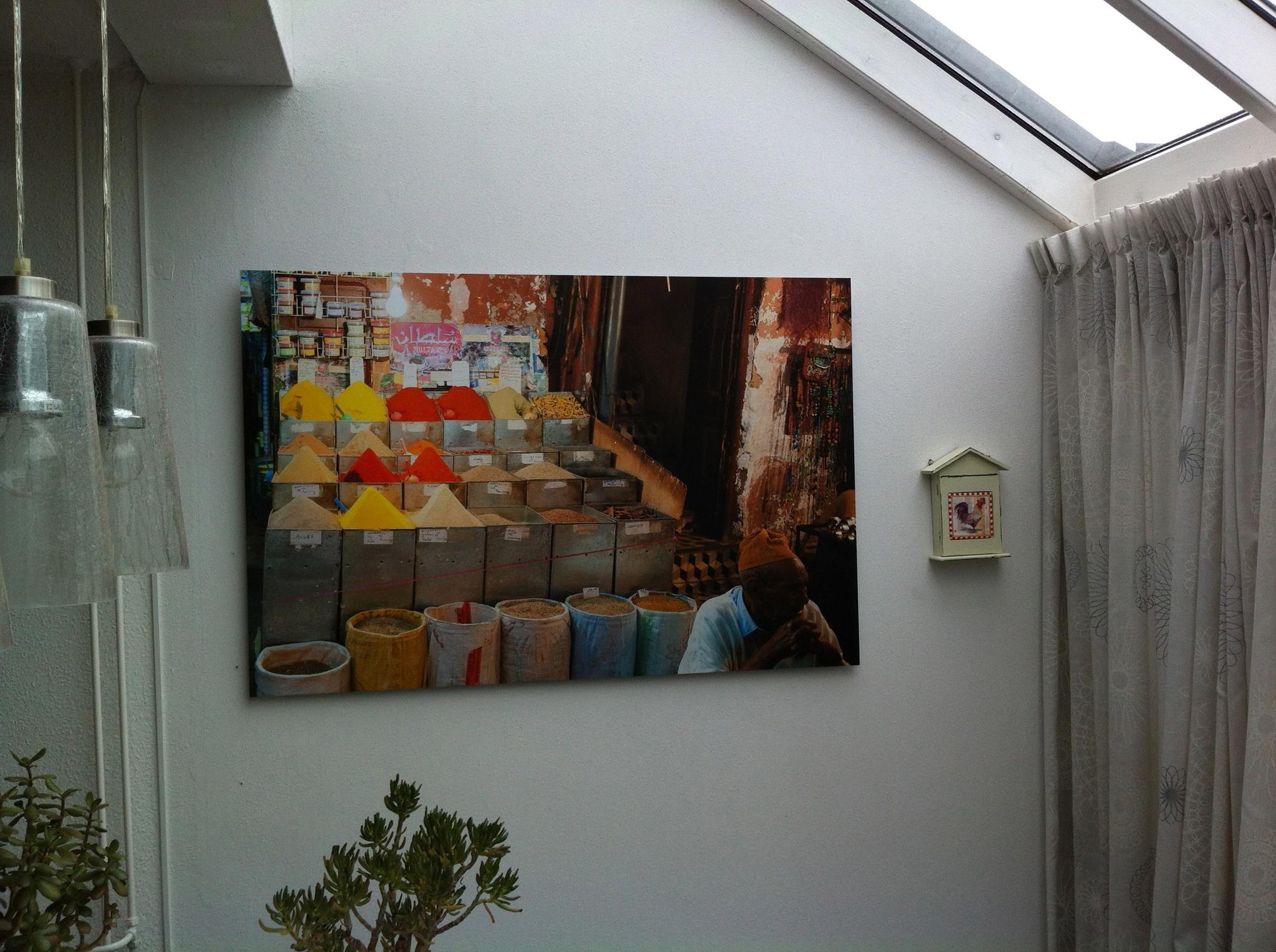 Mijn eerste X-pozer hangt prachtig in de serre. Stukje Marrakech in huis; je ruikt bijna de specerijen! Dank!