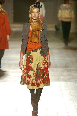Dries Van Noten Fall 2005 Ready-to-Wear Fashion Show - Sieska