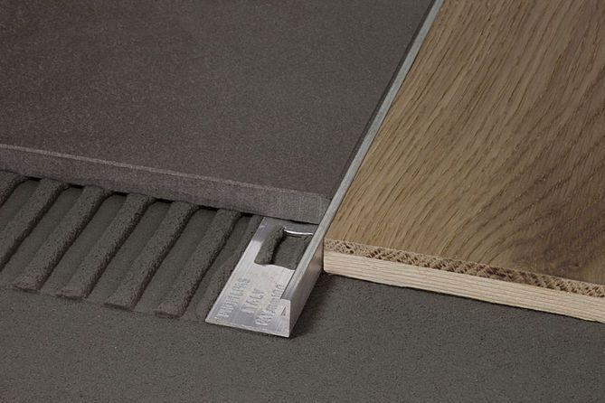 liaison carrelage parquet pose flottante ou coll e carrelage pinterest. Black Bedroom Furniture Sets. Home Design Ideas