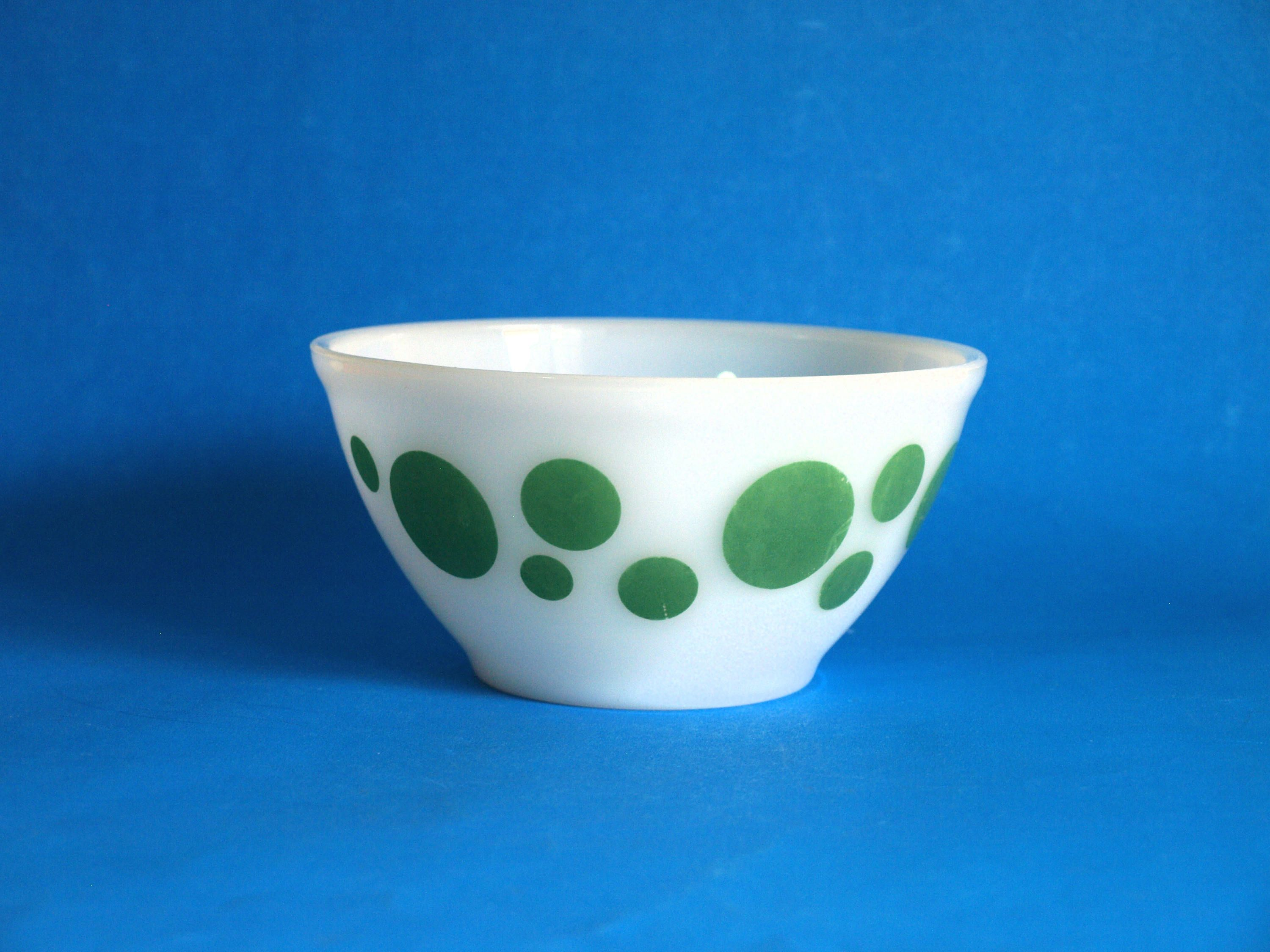 Agee Crown Pyrex Green Polka Dot Mixing Bowl - 60s 6\