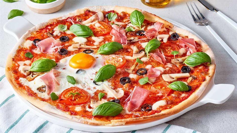 Pizza Z Bazyliowo Pomidorowym Sosem Poznaj Najlepszy Przepis Sprawdz Skladniki I Instrukcje Na Kuchnialidla Pl Vegetable Pizza Pizza Food
