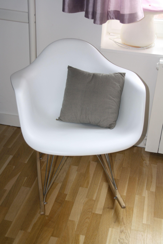 Redoutable petit fauteuil blanc