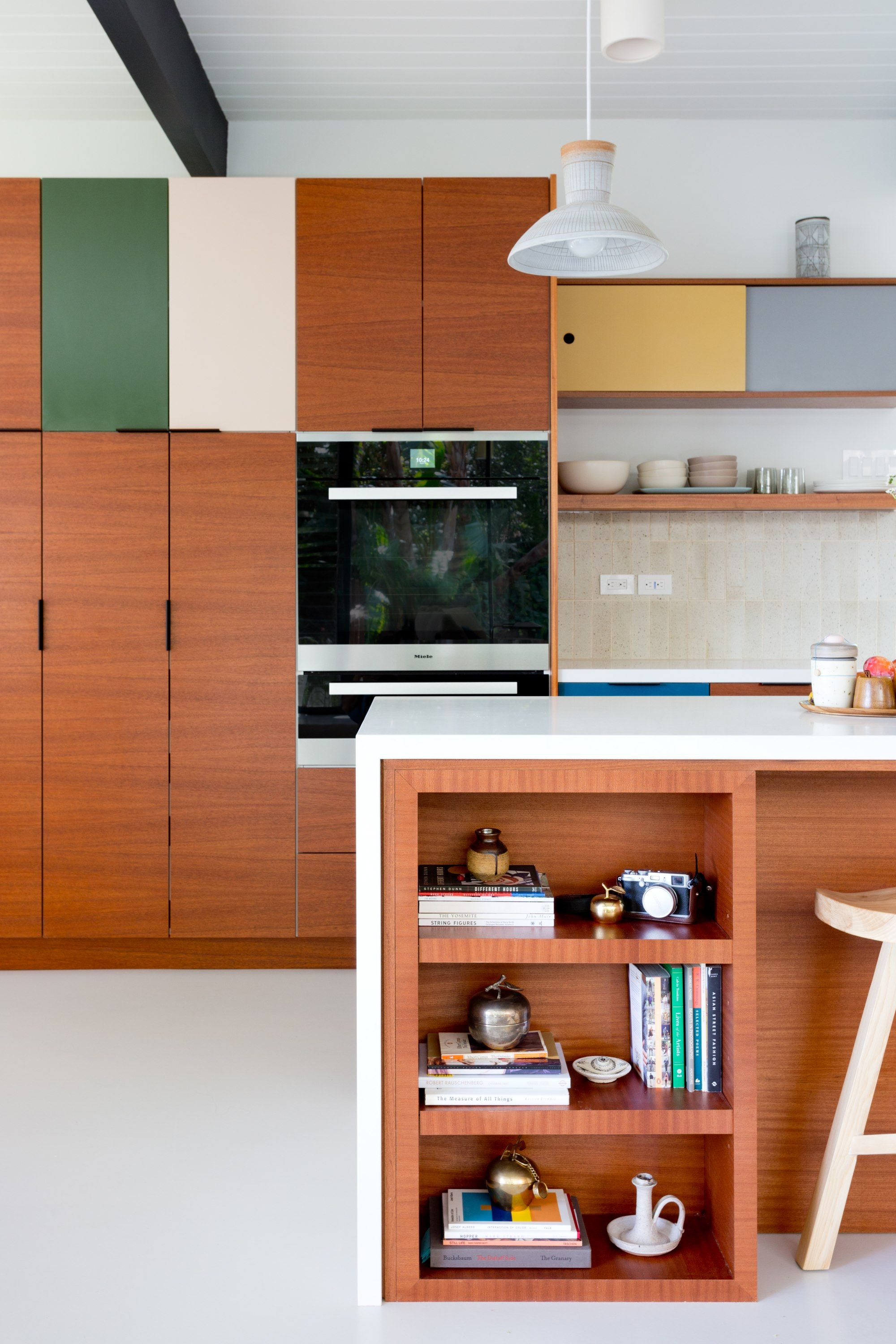 Colorful Kitchens Are A Trend You Should Definitely Buy Into In 2020 Kitchen Colors Mid Century Modern Kitchen Modern Kitchen Design