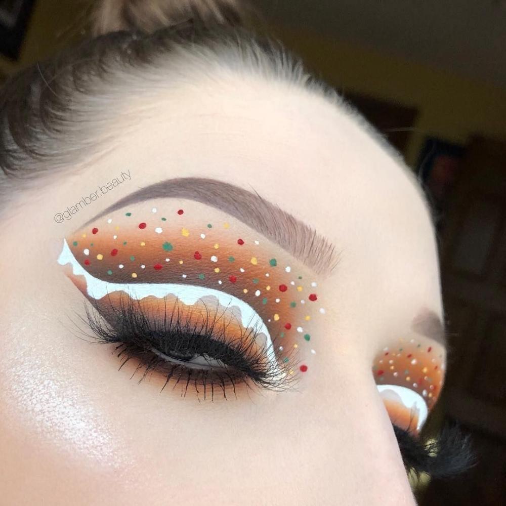 31 Lovely Makeups About The Color Of Orange Koees Blog Christmas Eye Makeup Christmas Makeup Look Xmas Makeup