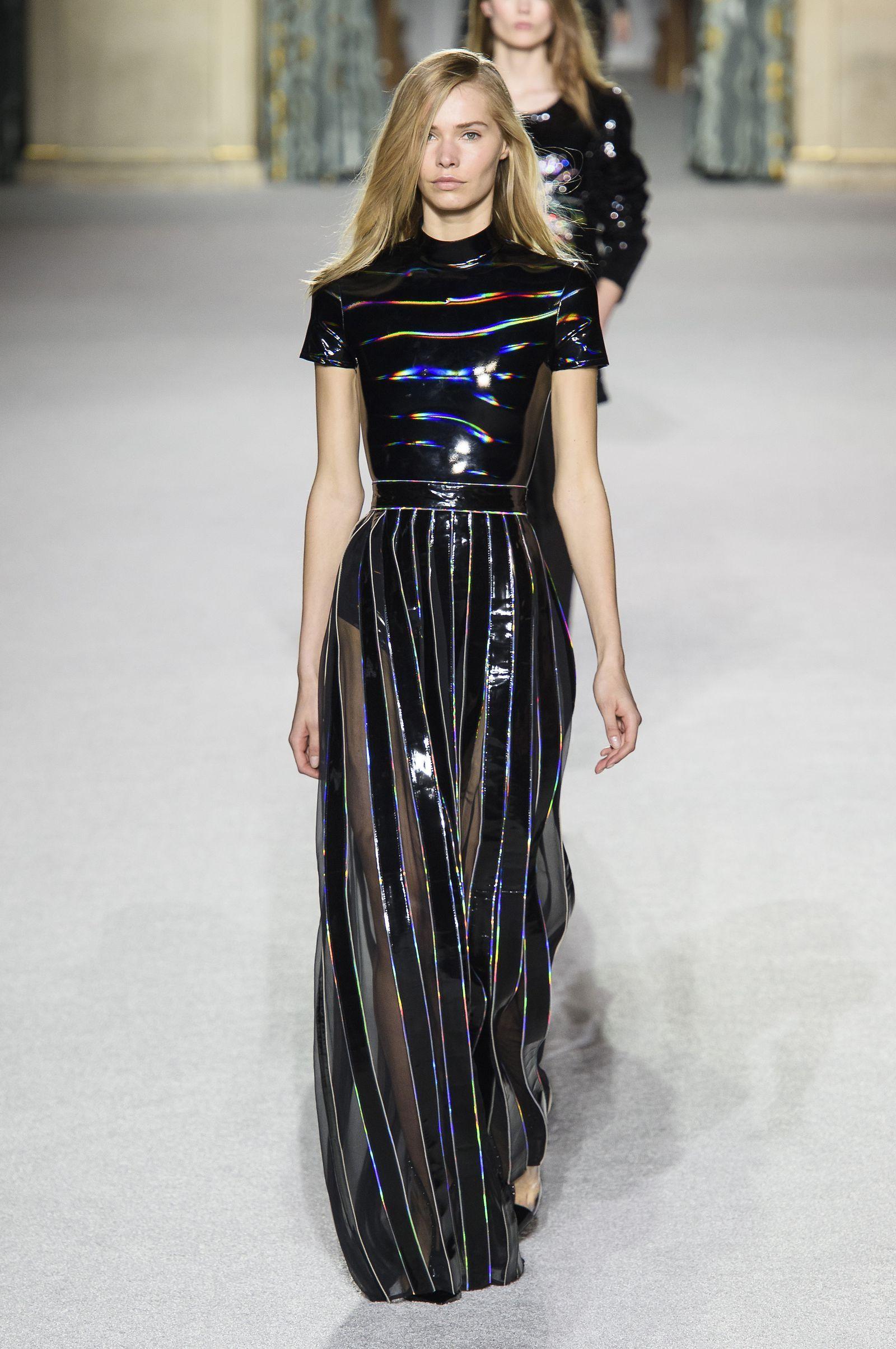 I vestiti lunghi del prossimo inverno 2019 saranno i più eleganti e  strepitosi di sempre 504c584d10f0
