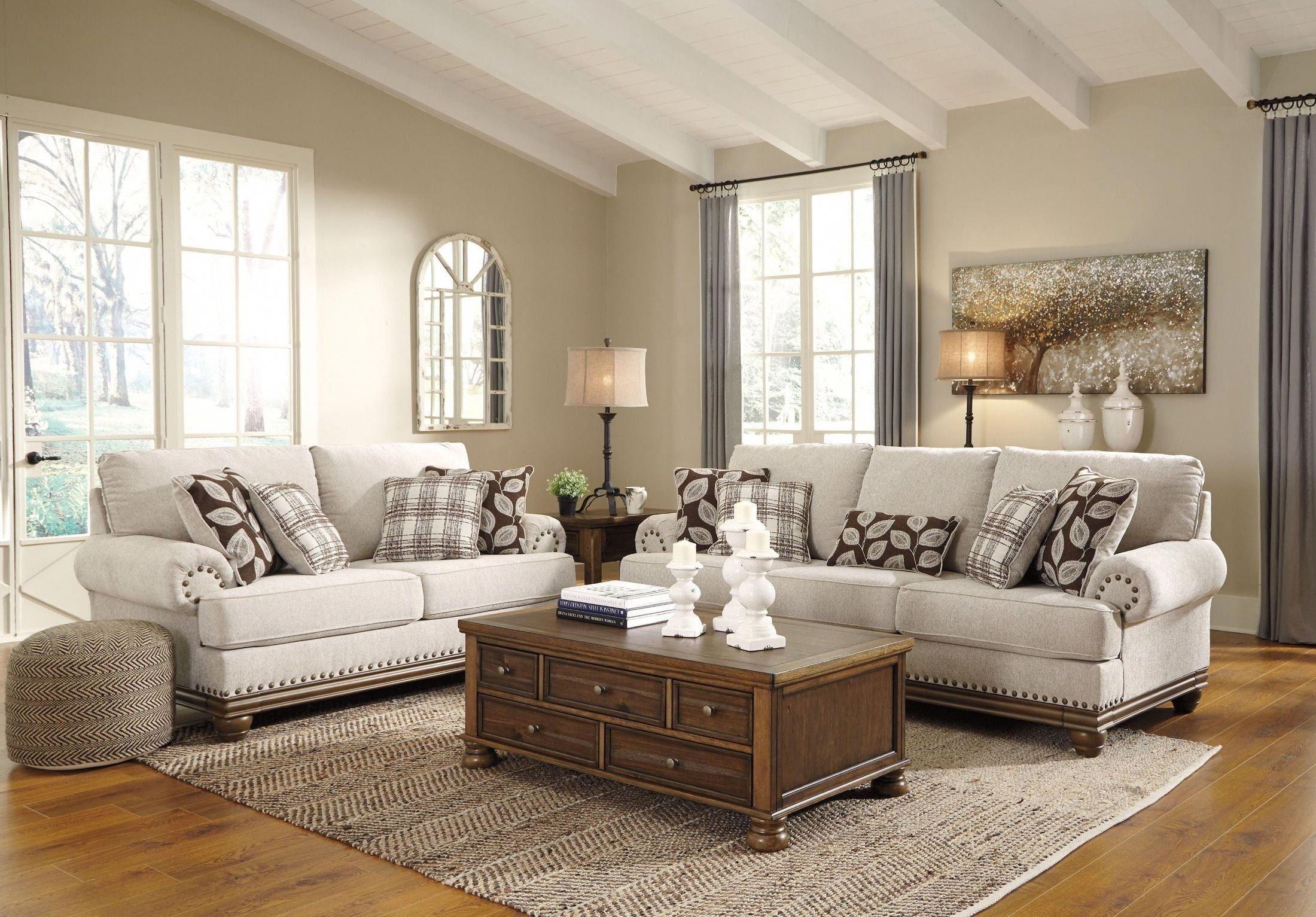 91 Premium Large Traditional Enclosed Living Room Design Ideas