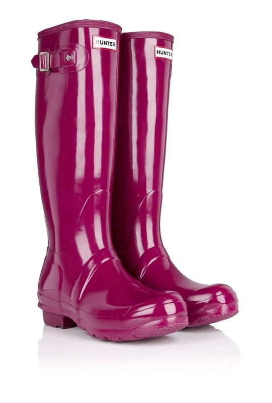 You'll never find a rainbow if you're looking down. (Charlie Chaplin)      Combining all the features you love about the iconic Original boot but with a glossy, high-shine finish and striking colours, the Original Gloss style is the fashion's fan wellington of choice.