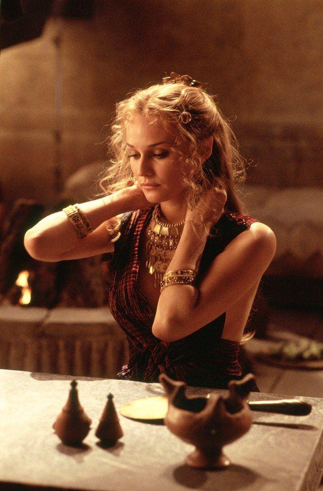 Helen Of Troy The Daughter Of Zeus And Leda Helen Was The Queen