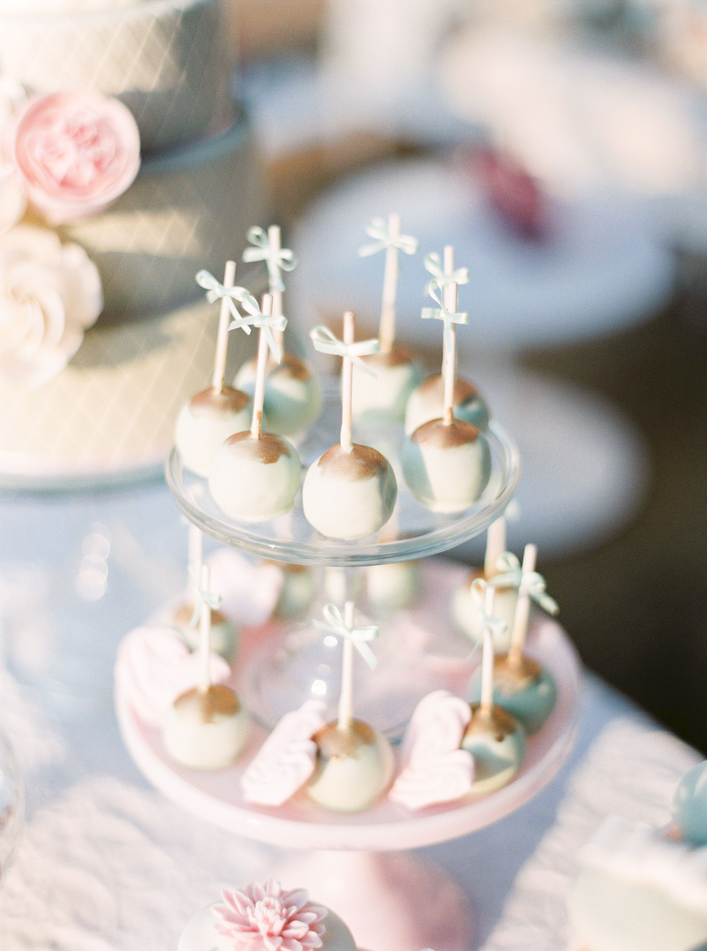 Cake pops by cupcake decor by the wedding company portugal photo