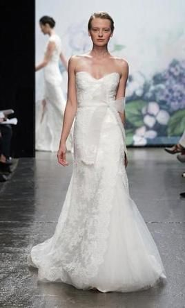 Monique Lhuillier Emma: buy this dress for a fraction of the salon price on PreOwnedWeddingDresses.com