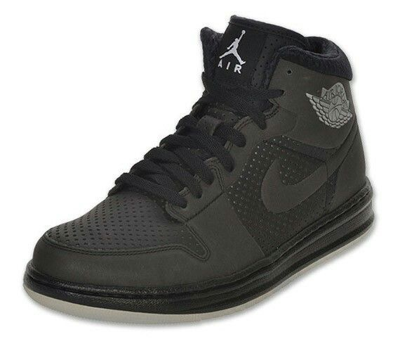 f20de70d6ec Épinglé par jerome sur Sneakers | Air jordans, Nike et Trainers