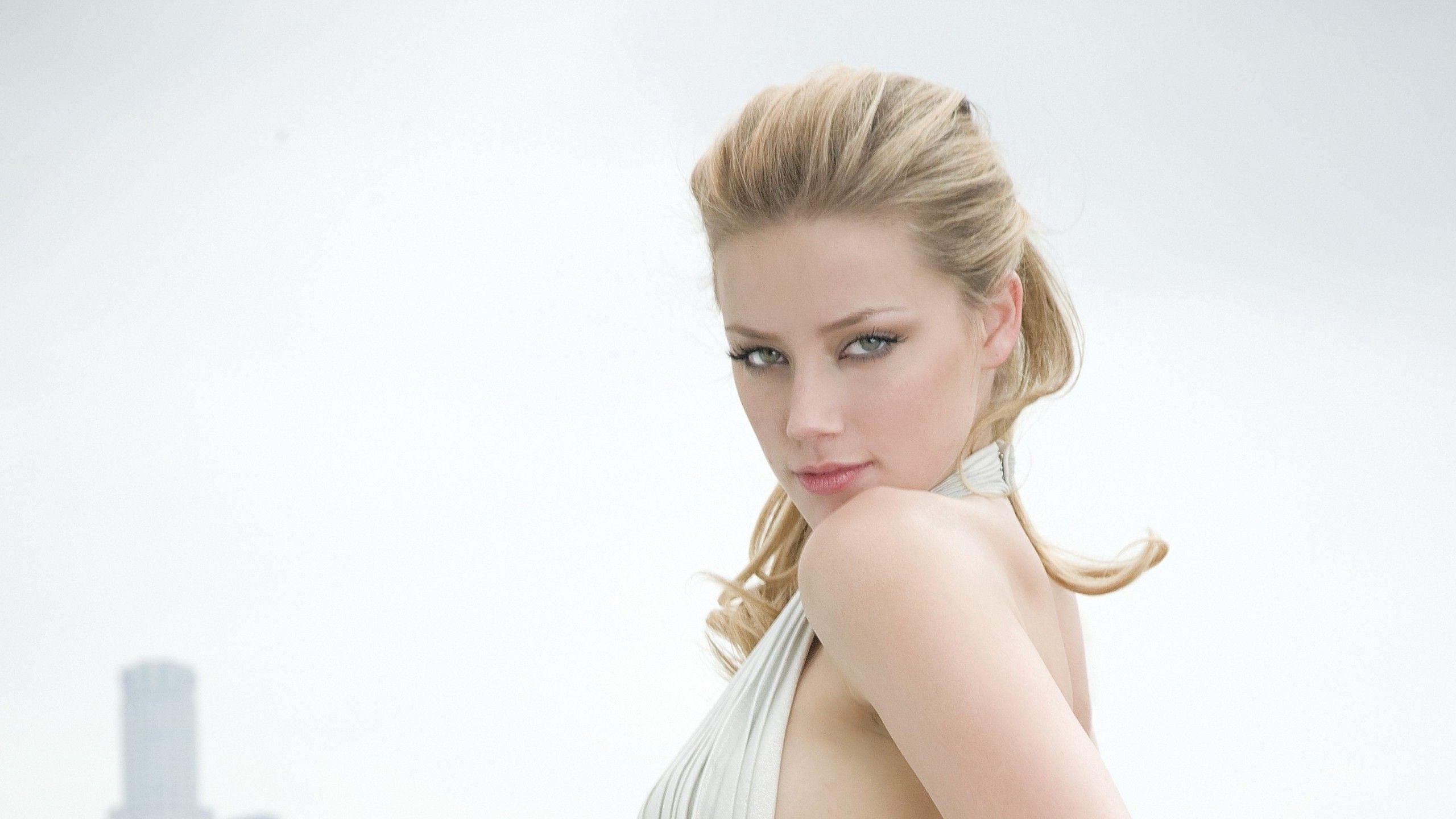 Amber Heard Blonde Blue Eyes Face Side View Wallpaper View Wallpaper Desktop Background Images Amber Heard