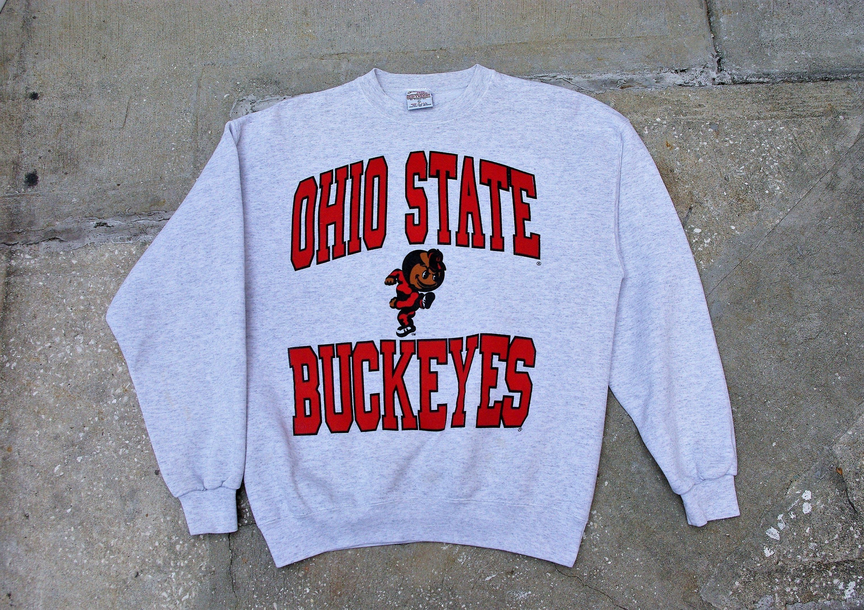 Vintage Ohio State Buckeyes Sweatshirt Gray Lg Spellout Graphic Mascot Unisex Skater-Hipster-Athletic Street Wear / Ships FREE in US #ohiostatebuckeyes