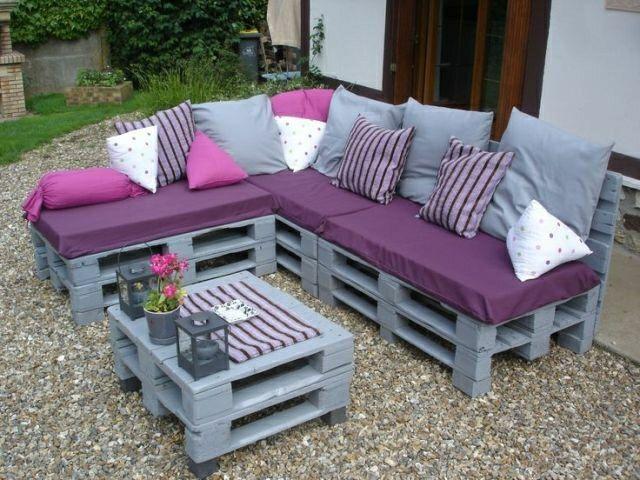Un joli salon de jardin en palettes | pallet lounchebank | Pinterest