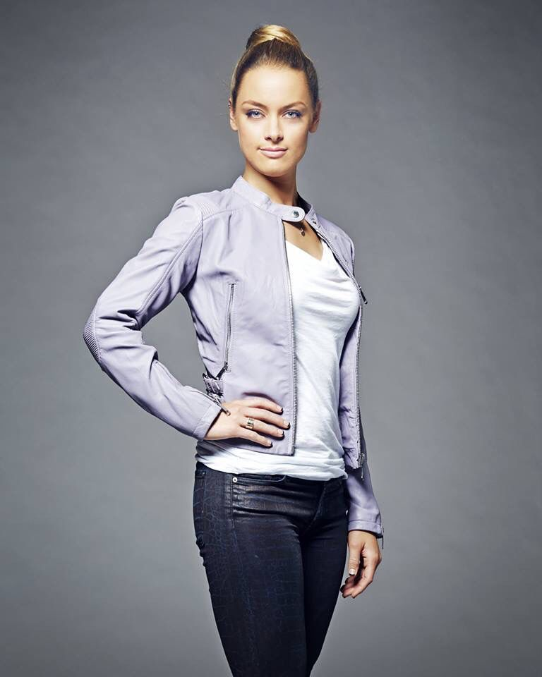 Lost Girl - Tamsin