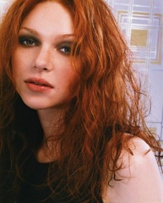 Pin By Fabiana Figueiredo On Beautiful Redheads Laura Prepon Redhead Natural Red Hair