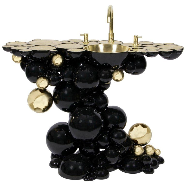 Photo of Newton wash basin in black lacquer with gold details