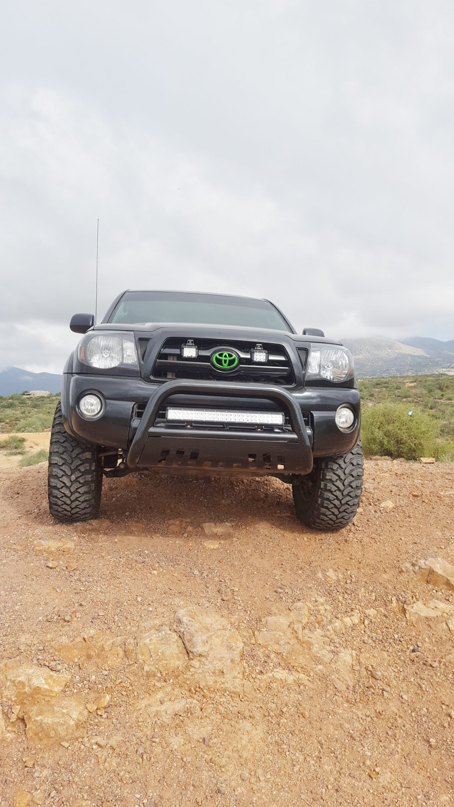 Nilight waterproof light bar 25 inch 162 watt led review toyota if you are looking for an off road light bar that is economical and rocks a bright beam nilights flood spot combo light bar might be the one for you aloadofball Gallery