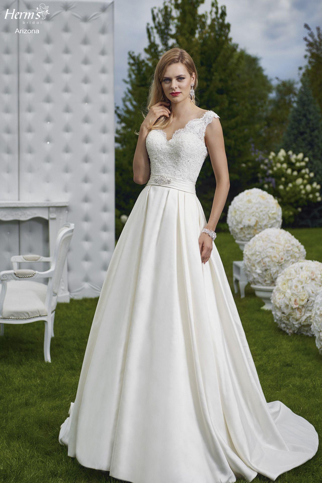 Suknie Slubne Garnitury Galeria Mody Slubnej Lodz Zdunska Wola Wedding Dresses Dresses Strapless Wedding Dress
