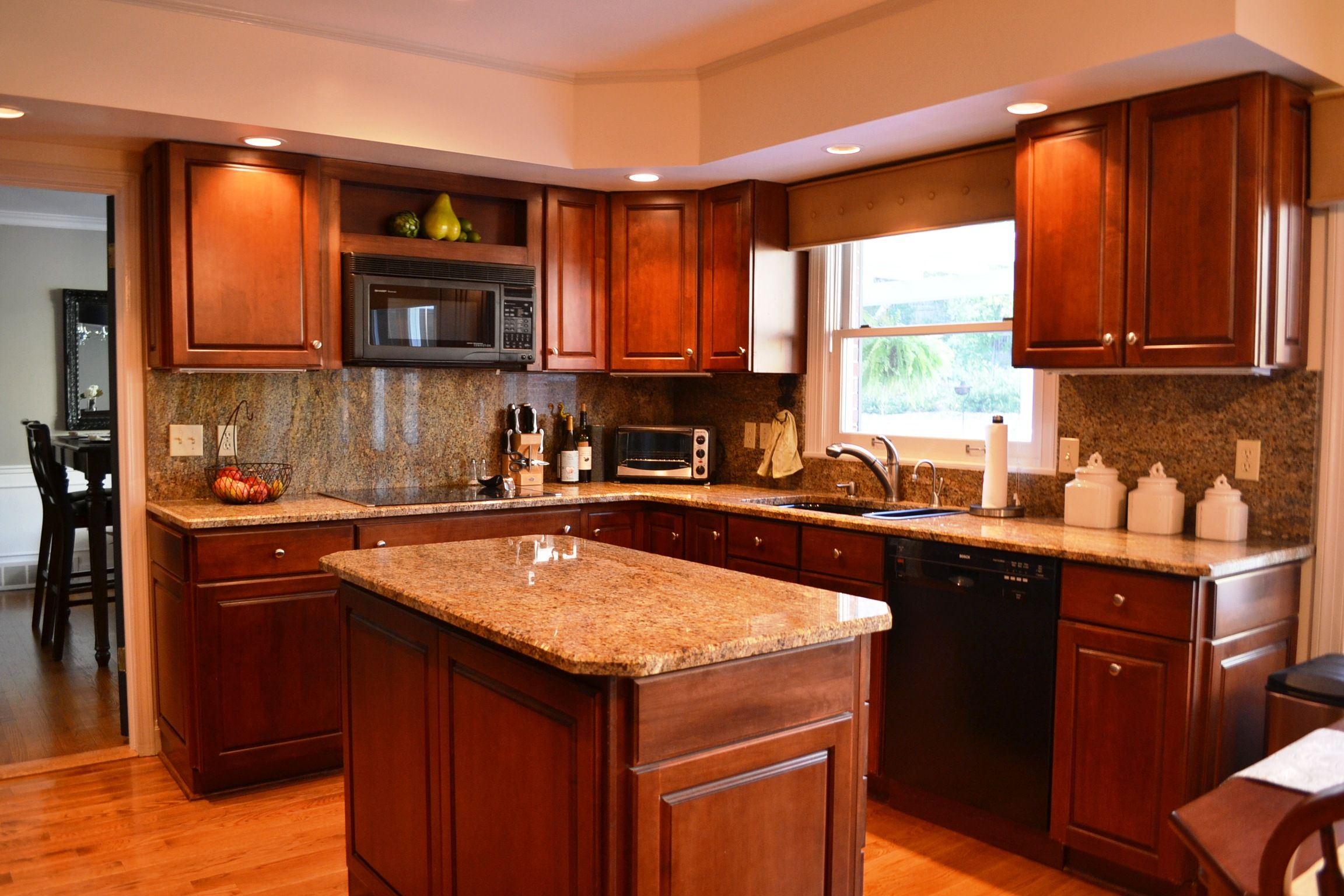 oak cabinets with white island | ... Kitchens With Red Oak Kitchen ...