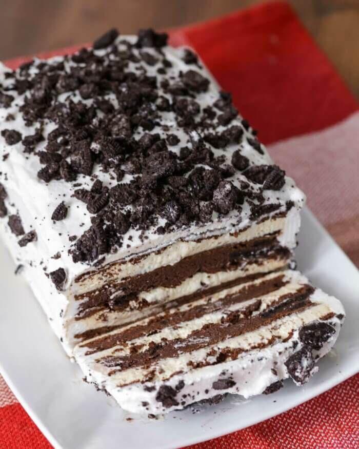 Ice Cream Sandwich Cake (Only 10 Minutes to Prep!) | Lil' Luna #icecreamsandwich