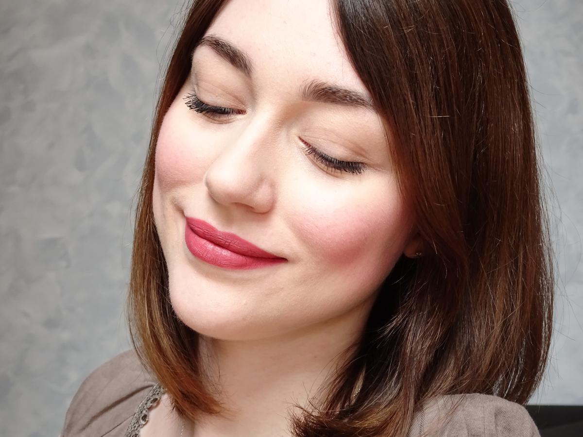 Velvet Passion Matte Lipstick De Kiko 316 Vintage Rose Rouge A Levres Maquillage Pour Yeux Bleus Petite Peau