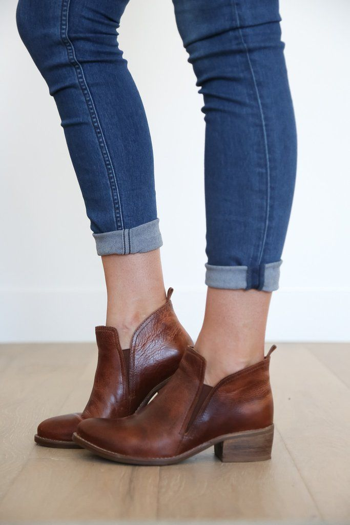 everyday ankle boot Upper: leather/suede Outsole: man made Shaft Height: 3
