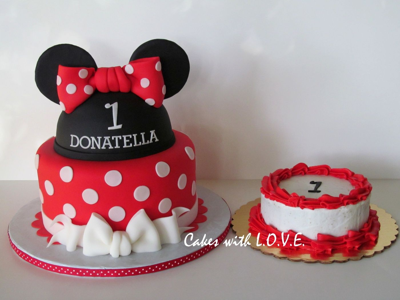 Minnie Mouse First Birthday Cake First Birthday Cakes Minnie Cake Minnie Mouse First Birthday