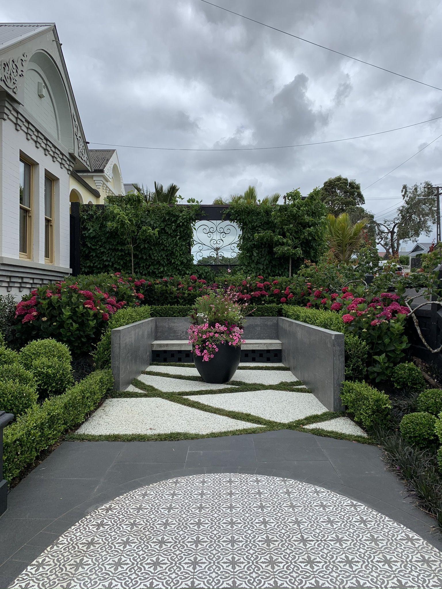 Front Garden Courtyard | Front garden, Garden makeover ...